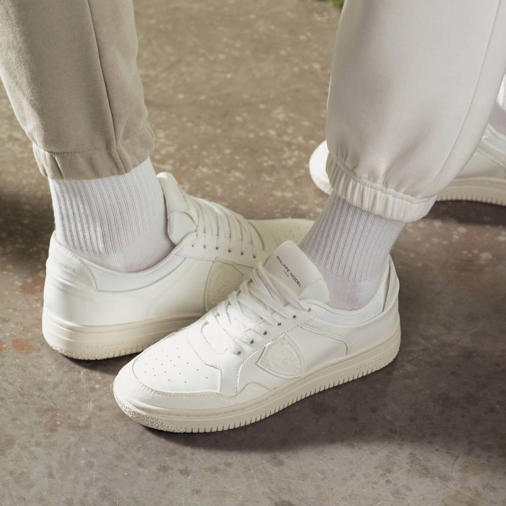 ACBC sneakers made from Bio Skin, a material developed from corn starch | choose environmentally friendly materials: make better fashion choices